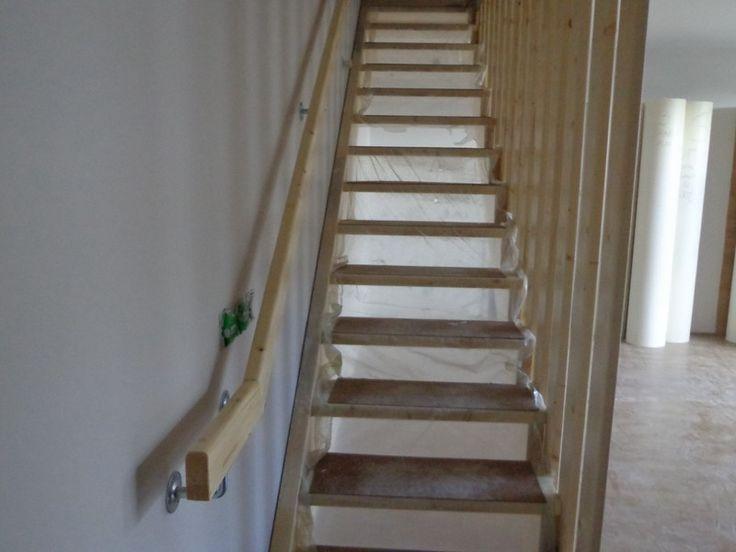 Escalier droit avec rampe toute la hauteur id e pour l 39 escalier pinterest for Idee rampe escalier