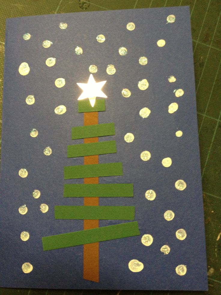 teach sequencing shortest to longest for this Christmas tree craft and throw in some fingerprint snowflakes for fun :)