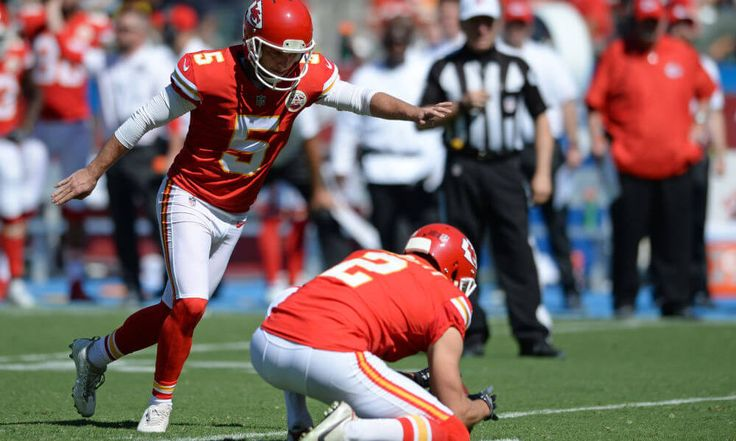 Report | Bears to sign Cairo Santos = The Chicago Bears will be signing free agent kicker Cairo Santos, according to Brad Biggs of the Chicago Tribune. It is also worth noting that.....
