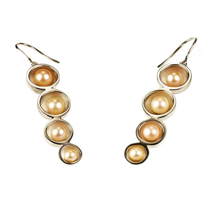 ~~ Pearl and gold earrings by Misaki ~~