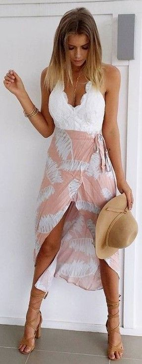 #muraboutique #label #outfitideas |  White Lace + Nude Palm Print