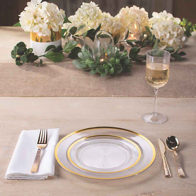 Premium Clear Plastic Dinner Plates With Gold Trim 25 Ct Oriental Trading In 2020 Plastic Plates Wedding Plastic Wedding Table Wedding Dinnerware