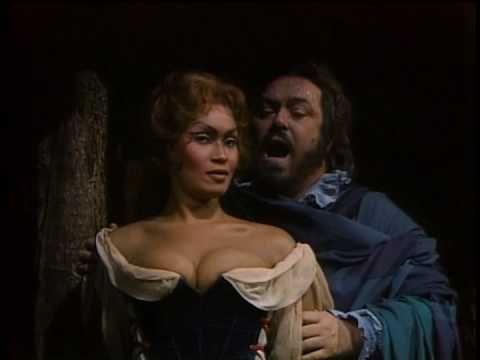 "And for comparison the more modern version of the ""Bella figlia dell'amore"" with Luciano Pavarotti, Joan Sutherland, Leo Nucci and Isola Jones"
