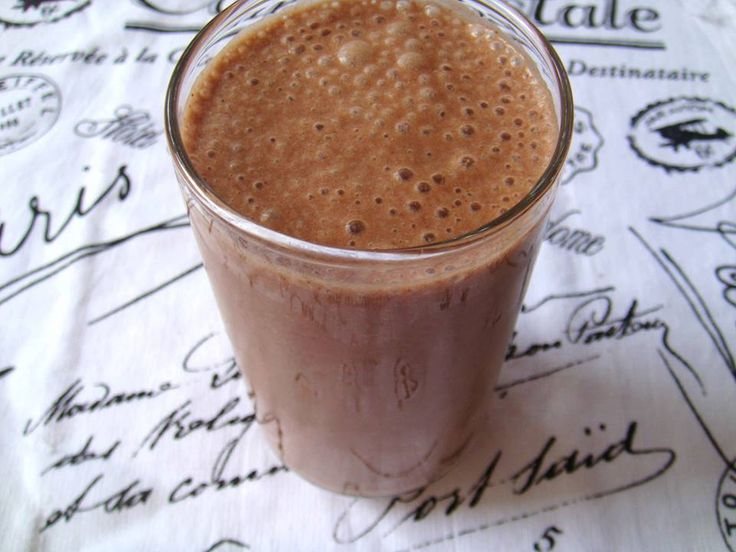 """Prevent Muscle Catabolization with this """"Beegan"""" Post-Workout Smoothie- guest post by me!"""