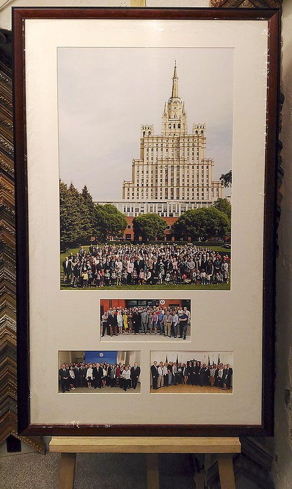 Прощальные фото с послом