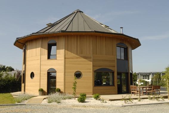 Maison bois par La Maison du Cèdre.