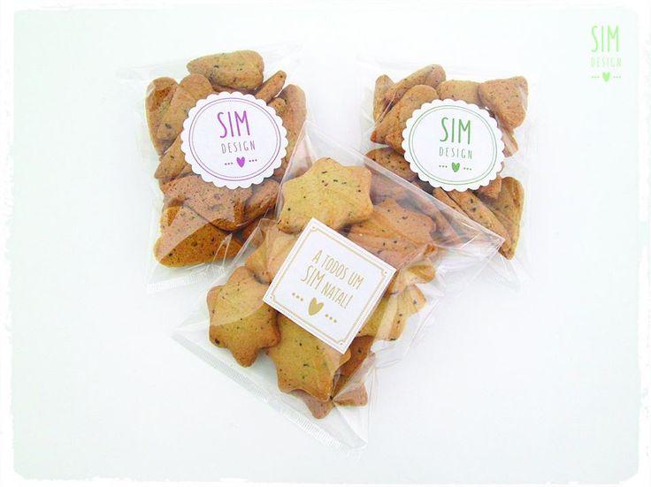 Pequenos doces que sabem tão bem!   Bolachas de frutos vermelhos e/ou de manteiga - Formato coração ou estrela