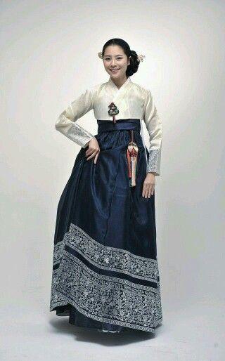 My Dreaming Hanbok..  ;)