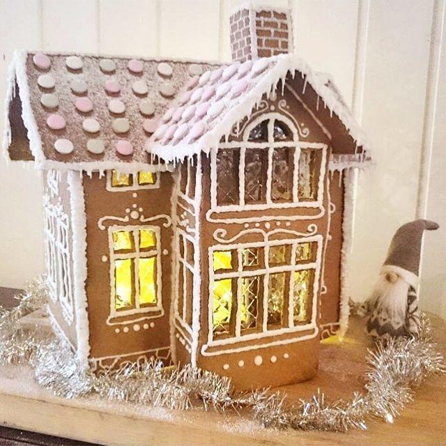 Domek z piernika - jak zrobić? #finuu #finuupl #finland #finlandia #gingerbreadhouse #ginger #domekzpiernika #piernik #bożenarodzenie #święta #christmas #xmas autor: @eveliiina_maaria