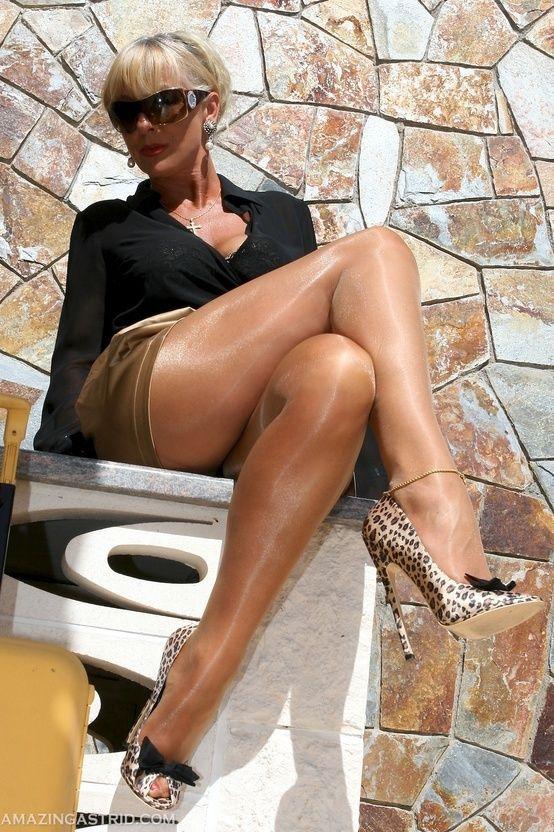 203 best images about nylon pantyhose feet on pinterest. Black Bedroom Furniture Sets. Home Design Ideas