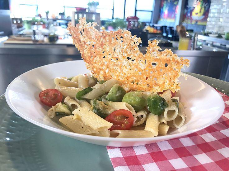 Minikooltjespasta (pasta met spruitjes en Parmezaanse kaas) - Zoete Spruiten   24Kitchen
