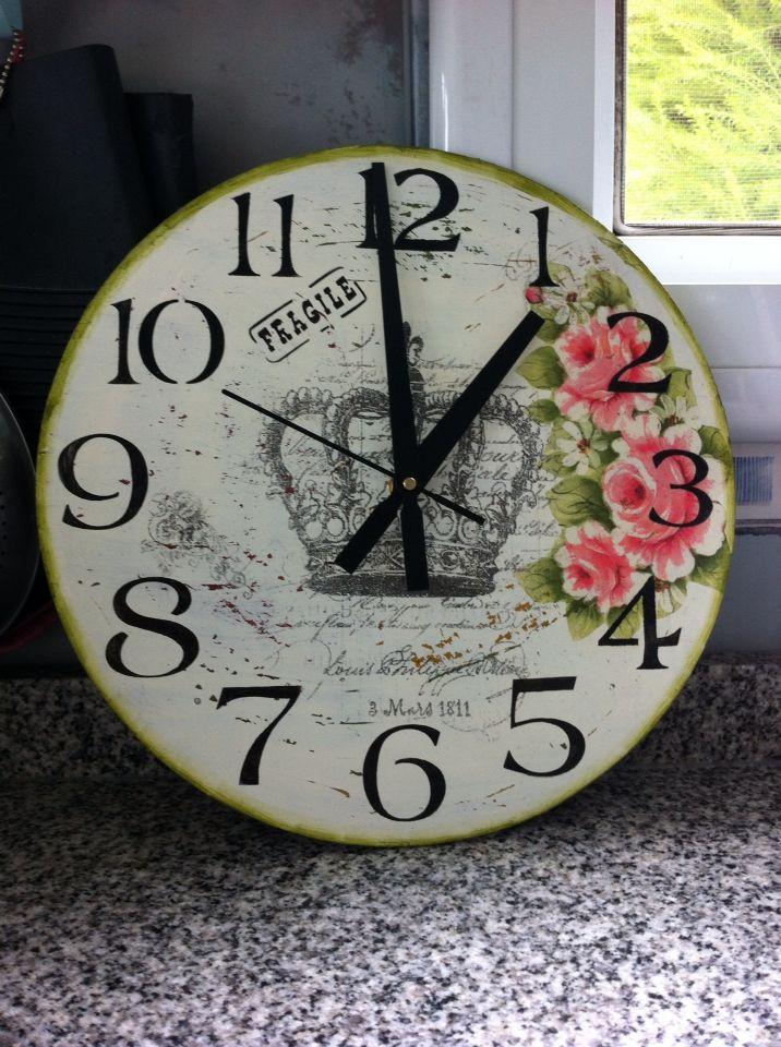 Vintage style wall clock / Reloj de pared estilo vintage