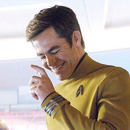 Chris Pine laughing Star Trek Beyond Gag reel