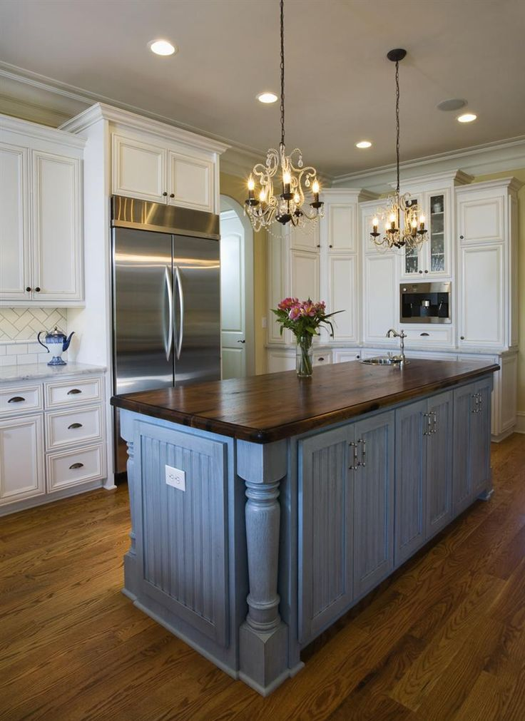 25 best ideas about country cottage kitchens on pinterest for Country kitchen island designs