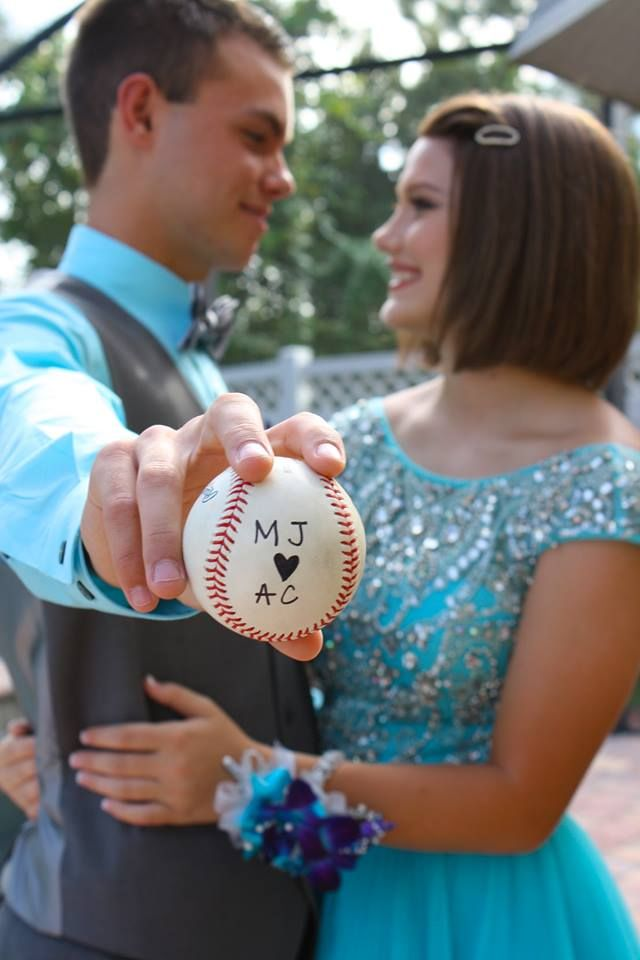 Homecoming picture Baseball