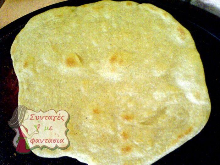pita-souvlakia