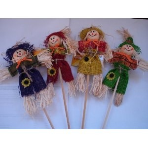 Mini Scarecrows--thinking of using these as a fall tree decoration