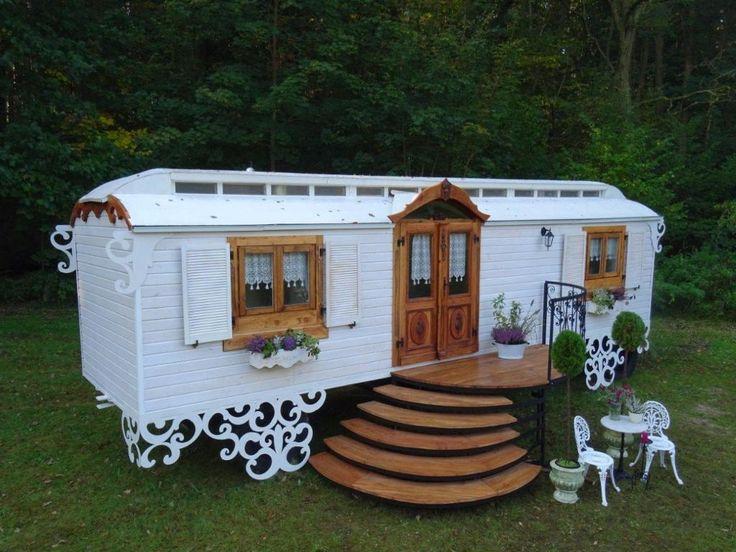 148 besten zirkuswagen bilder auf pinterest zirkuswagen. Black Bedroom Furniture Sets. Home Design Ideas