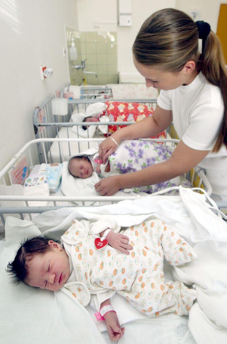 V pôrodniciach porušujú práva žien, tvrdia občianske združenia - zena.sme.sk