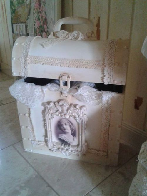 Old trunk, so pretty. I have an antique trunk that could use a face lift. I would never have thought of this on my own!