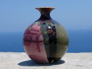 Sifnos stoneware: 5 generations of skilled potters on the beautiful Greek Cycladic island.