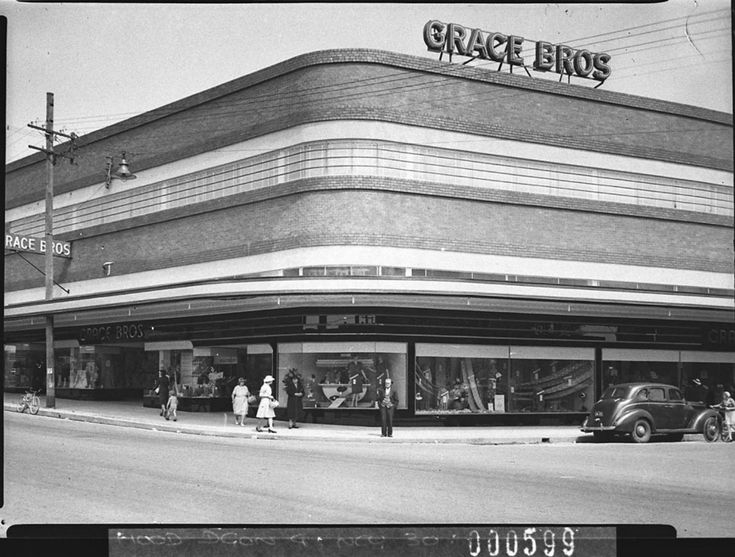 A new Grace Bros regional store at Parramatta October 1939. Before Westfield.