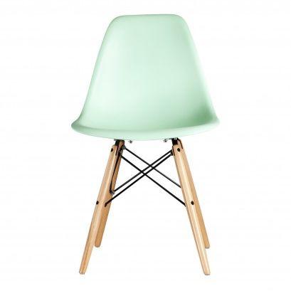 De lente en zomer komen er weer aan. Fris uw interieur op metéén of meerdere van onze pastelkleurige Eames DSW replica stoelen. Een zeer comfortabele stoel die niet alleen zeer geschikt is als eetkamerstoel, maar ook als bureaustoel of woonkamer stoel. Leverbaar in meerdere mooie pastelkleuren en keuze uit verschillende onderstellen.  Levertijd: 3-6 dagen.