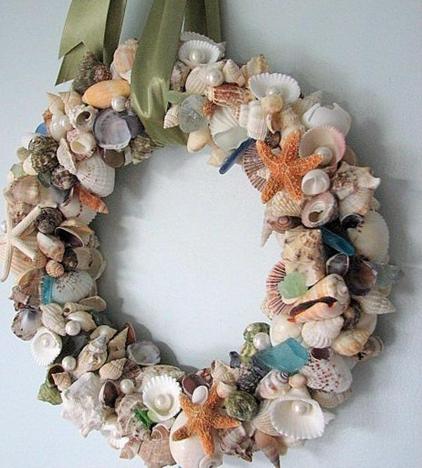 Seashell Wreath, Cool Seashell Project Ideas, http://hative.com/cool-seashell-project-ideas/,