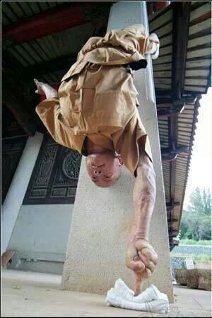 Shaolin monk performing an amazing martial art technique. Marvellous act! If you are interested in learning any martial art form, visit http://www.advancemartialartsconnect.com/find-a-school?utm_source=pinterest&utm_medium=socialmedia&utm_campaign=sepshaolinmonk to find a good martial arts school in US.