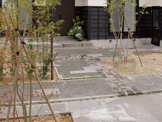 和モダンアプローチ:五泉市K様邸 - 新潟市・長岡市・上越市|エクステリア工房庭匠館|外構・庭工事
