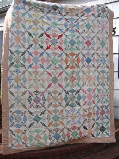 32 best 1940s Quilts images on Pinterest | Geometric designs ... : tied quilt patterns - Adamdwight.com