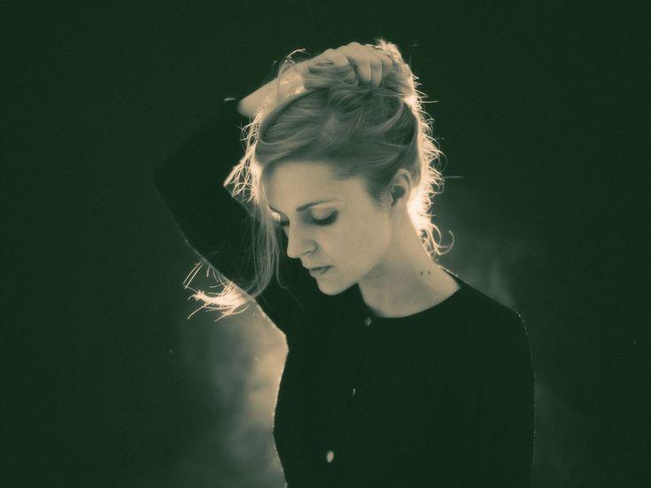 Avec son deuxième album, Agnes Obel confirme ses dons d'orfèvre en musique ample et raffinée. Rencontre exclusive avec la musicienne danoise installée à Berlin et qui dirige ses symphonies de l'intime comme personne.