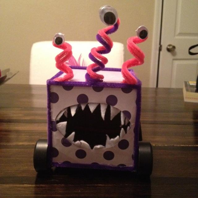 Monster truck valentine box I made for my  nephew . & Best 25+ Monster truck valentine box ideas on Pinterest | Boys ... Aboutintivar.Com
