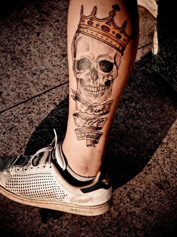 125 Skull Tattoos That Look Absolutely Menacing Wild Tattoo Art Calaveras Tatuajes Tatuajes Para Hombres Craneos Tattoo
