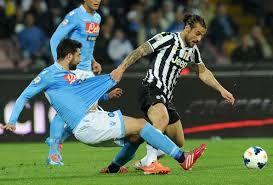 Resultat d'imatges de Raul Albiol Napoli