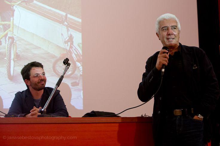 Giorgio Giani e Davide Tommaso Ferrando durante l'incontro con l'architetto Peter Wilson, ultimo ospite di #LookingAround, © Jana Sebestova