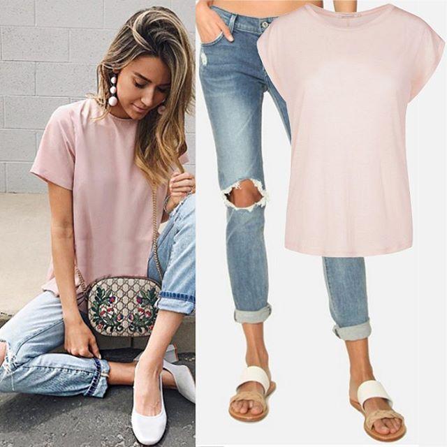 Нам очень понравилось, как Кристина сочетала немного брутальные рваные джинсы с нежной пудровой блузой. 😍 Нам захотелось это повторить с помощью футболки Armedangels и джинсов James Jeans. Если вам тоже нравится такое сочетание, приезжайте к нам в JiST.😉 #summer #fashion #outfitidea: #stylish #James #Jeans & #Armedangels #top help to create #chic #outfit #мода #стиль #тренды #джинсы #фуболка #модно #стильно #киев #новаяколлекция