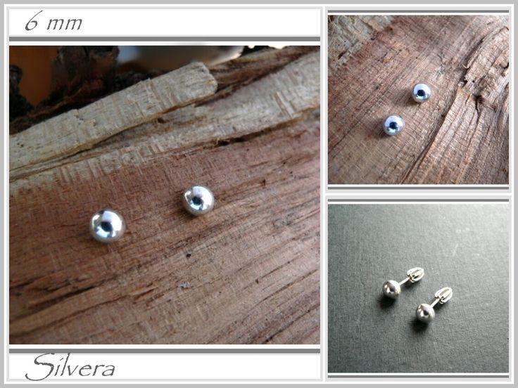 Stříbrné 925 Naušnice, .PECKY Stříbrné naušnice na přání o průměru 6 mm pecičky přímo do ucha, vhodné na každý den Zavírání na šroubek Průměr kuličky 6 mm Vyrobeny ze stříbra 925/1000, puncovány Díky za shlédnutí, pěkný den... Prstýnek hodí se ZDE Menší pecky ZDEa ještě menší pecky ZDE Větší ZDE    Hodí se prstýnek Minimalist (mám jej v ...