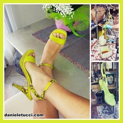 sandali in pelle bianca tuffati nel colore.. dopo uno SPLASH.. sono proprio cpme li volevi. @daniele tucci