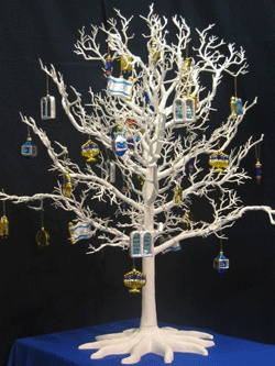 Hanukkah bush! #Hanukkahtree #holidaytrees #hanukkahdecor #Hanukkahdiy