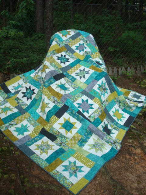 Gray and Teal Chipmunk Star Queen Quilt by Jackiesewingstudio on Etsy