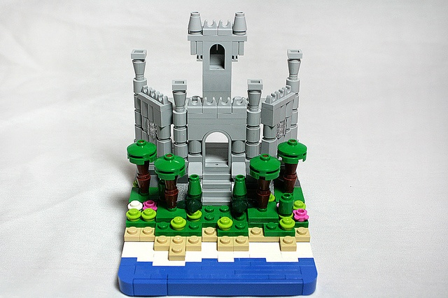 Micro castle!: Lego Crazy, Lego Design, Lego Castles, Lego Craze, Lego Awesome, Batiments Archie Lego, Micro Castles, Castles Lego, Photo