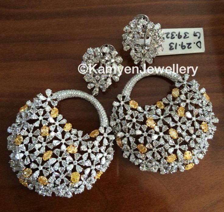White gold,diamond, yellow diamond.