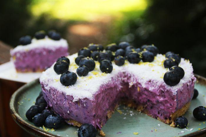 Receta de delicioso cheesecake de arándanos, crudo, sin azúcar y sin gluten. Ideal para disfrutar de un postre saludable. Cherrytomate