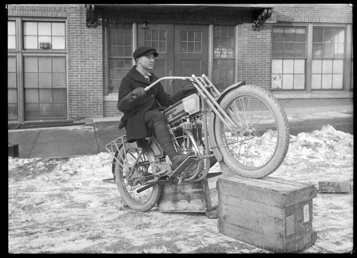 Harley Davidson Old School Bikes