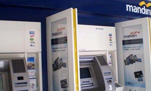 Cara Setor Tunai Mandiri di ATM Bank Mandiri Setor Tunai Dengan Mudah Setor tunai melaui ATM Bank Mandiri ini bisa anda lakukan kapan saja 1x24 jam, anda hanya cukup dengan mendatangi mesin ATM setor tunai Mandiri dan masukan uang di mesin tersebut, caranya hampir sama seperti saat anda menggunakan ATM untuk mengambil uang atau melakukan transfer