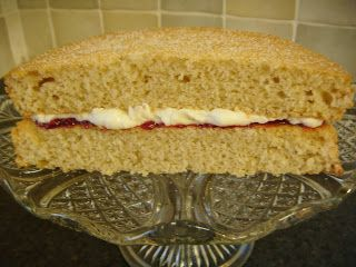 We Don't Eat Anything With A Face: Vegan Victoria Sponge Cake