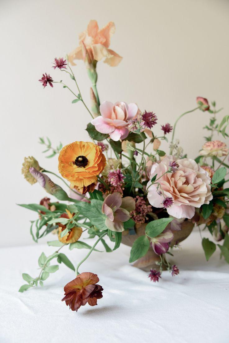 // Tinge Floral