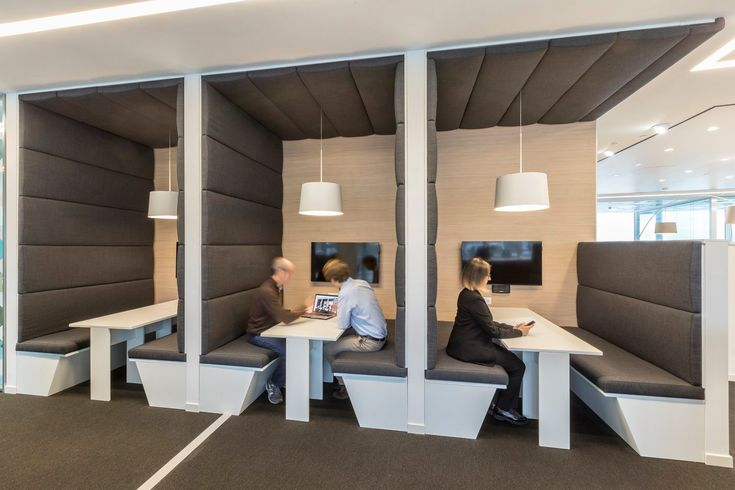Xl Catlin Offices Milan Office Snapshots Office Space Design Office Interior Design Office Booth Seating