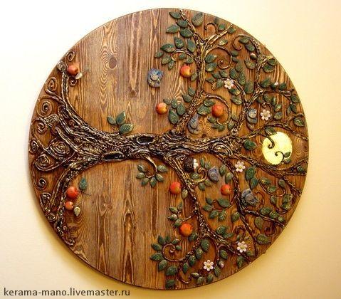Панно` Древо жизни`. Одним из самых  древних символов,  которые должны присутствовать в доме является  Древо жизни.  Оно символизирует семейное счастье, продолжение рода, благополучие семьи, связь поколений, семейные традиции.